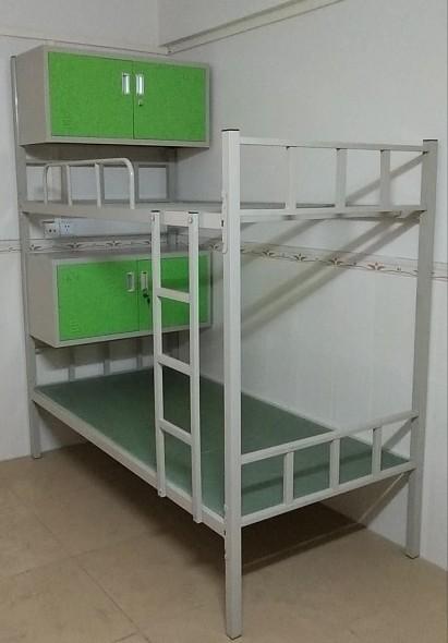 带床头柜双层床