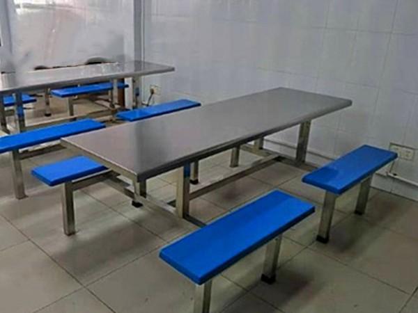 8人不锈钢餐桌