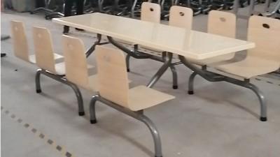学校食堂餐桌椅多少钱一套