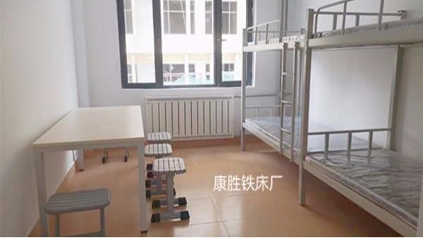 西宁中学型材连体铁床安装完毕